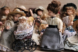 dolls-4059323_640